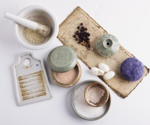 Natural make-up materials