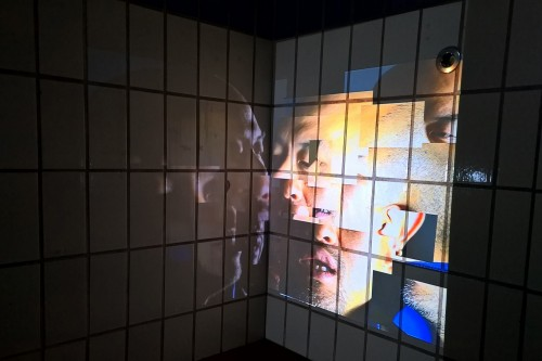 Post image for Exhibition visit: Bates's Room – Shin Kiwoun at the Old Police Station